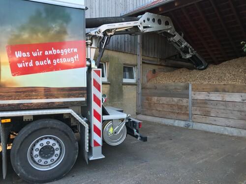 Hachschnitzel Bunker saugen