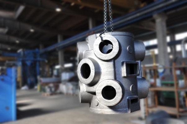 nella foto, produzione di Cilindro in EN-GJS400-15 kg. 1.200