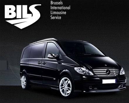 Minibus Mercedes Vito de grand luxe totalement équipé : TV, sono, sièges personnels, table amovible, pour votre plus grand confort