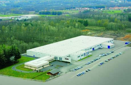 Lo stabilimento IVR di Boca occupa un'area di circa 15000 mq coperti. Al suo interno gli uffici (area commerciale, ufficio tecnico e qualità) e l'area produttiva.