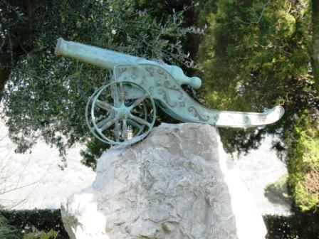 riproduzione antico cannone eseguita in ottone antichizzato