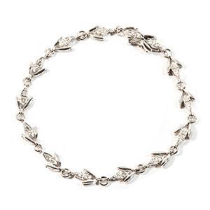 La pulsera de diamantes DUYOS 18 es una esplendida joya de diamantes y Oro de 18 quilates, en la que el prestigioso diseñador Juan Duyos se ha inspirado en la joyería antigua para su diseño.