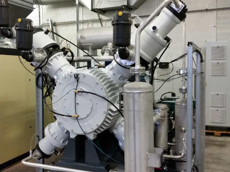 NEW oil-free and gas-tight piston compressor