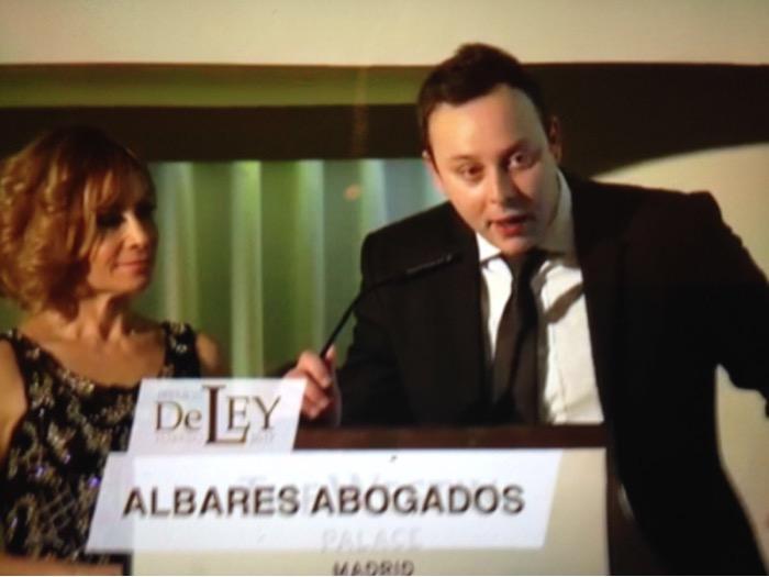 Pedro Albares Abogado Premio de Ley por Valencia
