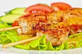Pincho Tijuana, el autentico sabor Mexicano a su alcance pueden ser de pechuga de pollo y de porcino.