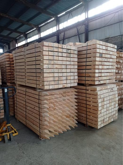WOODEN SQUARE FENCE POSTS