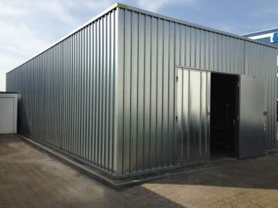Unsere Schnellbauhallen und Lagerhallen werden aus verzinktem Feinblech nach dem Best-Point-Verfahren gefertigt. Hierbei handelt es sich um ein spezielles Verfahren, bei dem die schützende Zinkschicht