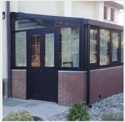 Verandas closed with aluminum windows and with a door entry.