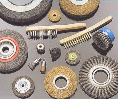 Brosses rotatives en acier