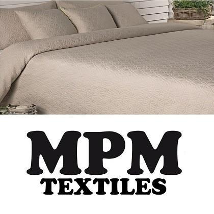 100 % cotton,warp:  60/2, 55 yarn/cm;Weft: 30/1 ,  22 Yarns/cm