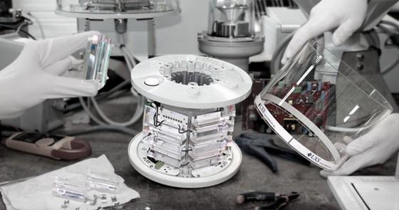 L'optique, le verre industriel, l'éclairage le cœur de métier de Promic depuis 1981.