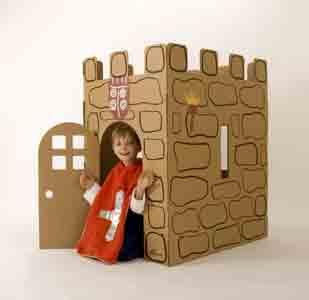 Castillo de cartón para montar, decorar y jugar dentro. Rápido plegado en 30 segundos. Realizado en cartón reciclado. Diseñado y fabricado en Barcelona.