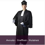 """Notre Maison, plus que """"Centenaire"""" est spécialisée dans les costumes d'audience sur mesure, pour les avocats,  avec les accessoires  (rabats ou cravates, épitoges avec ou sans fourrure, macarons…)"""
