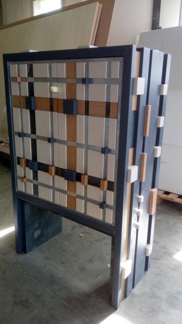 Mobile cabinet con inserti laccati , rovere, ardesia.
