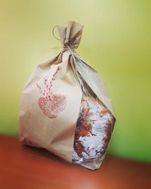 Paper bag with design for Easter is made on good quolity craft.