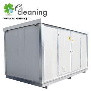Container coibentati dotati di vasca di raccolta per lo stoccaggio di fusti e cisternette e prodotti infiammabili in genere. A seconda dei modelli possono essere forniti con scaffalature