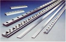 Herstellung und Schleifservice von Industriemesser für die Bereiche Papier, Kunststof, Holz und Metall.