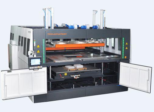 Thermoforming machines with window plate system.