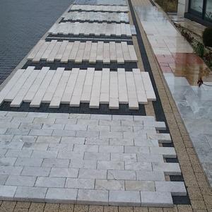 Podłogi z marmur antykowanego. Zastosowanie na chodniki, posadzki wokół basenów, podłogi marmurowe do wnętrz.