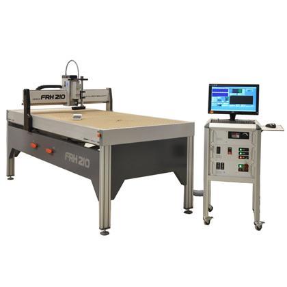 Modelo de producción para mecanizados donde se requieran prestaciones tanto de potencia como de precisión. Ideal para la industria de la carpintería y rotulación, muy robusta y con bajo mantenimiento.