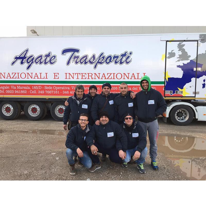 team di trasportatori professionisti