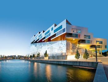Reynobond® Architecture, Panneaux de façade en en aluminium composite pour complex résidentiel