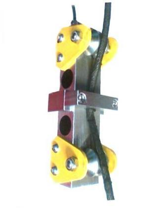 Il limitatore a cella di carico fornisce un segnale elettrico (mV) che, interfacciato ad idonea elettronica, consente di pesare e impedire i sovraccarichi nelle gru a fune.
