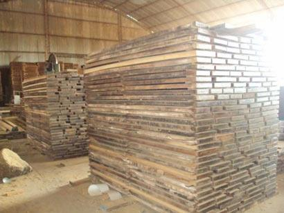 Briquettes de bois sciés