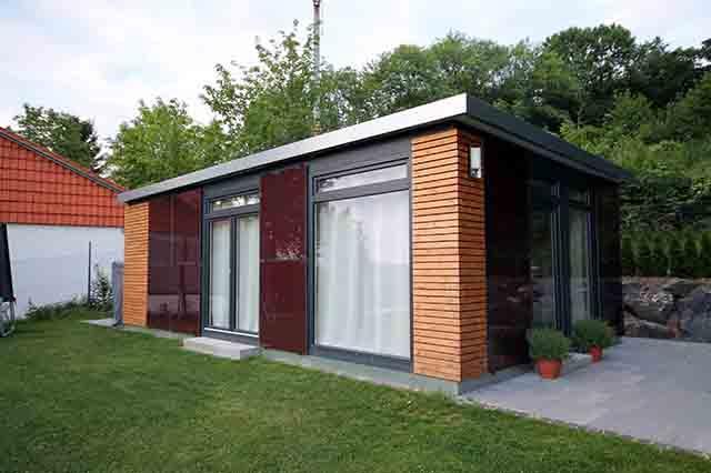 Solarbox gmbh kabinen bungalows und chalets fertigbau for Holzcontainer wohnen