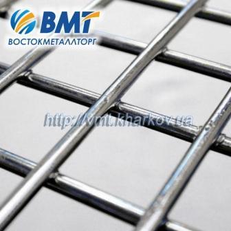 Сетка сварная из нержавеющей стали, с размерами ячеек от 12х12мм до 200х200мм.
