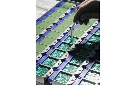 Fae Solutions S.r.l. lavora nel campo della produzione e dell'assemblaggio manuale ed automatico di schede elettroniche tradizionali e S.M.D.per conto terzi.