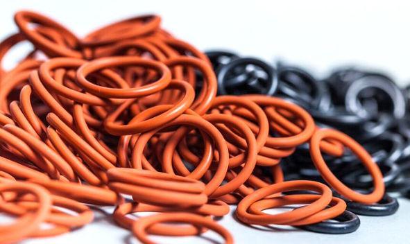 O-Ringe aus FKM, FFKM, NBR, Siliko kurzfristig lieferbar in jeder gewünschten Abmessung - alle gängigen Abmessungen ab Lager verfügbar -  Bei uns finden Sie immer den passenden O-Ring
