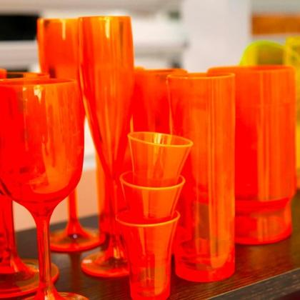 Plastic cups resistant to flame and impact
