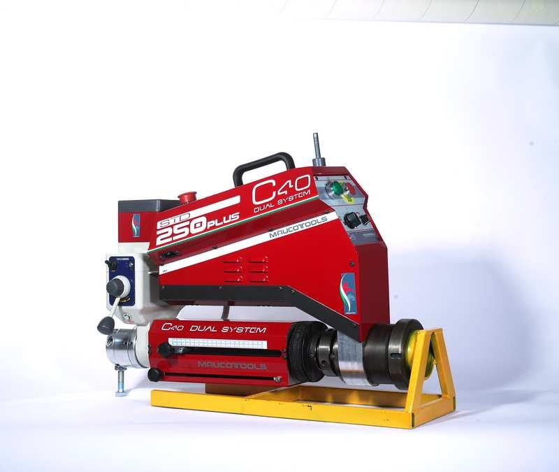 Portable line boring and overlay welding machine tool, flange facing, drilling, tapping, threading, dual system.