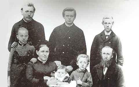 Familie um 1884
