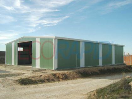 Nave modular para almacén agrícola mediante naves prefabricadas de estructura metálica modular y cerramientos metálicos o de hormigón. Naves baratas y rápidas. Naves desmontables. Marcado CE