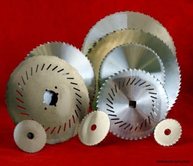 Fabricant disques circulaires, disques micro dentés, diques lisses, disques festonnés, disques avec fente... Affûtage disques circulaires, disques micro dentés, disques lisses, disques festonnés...