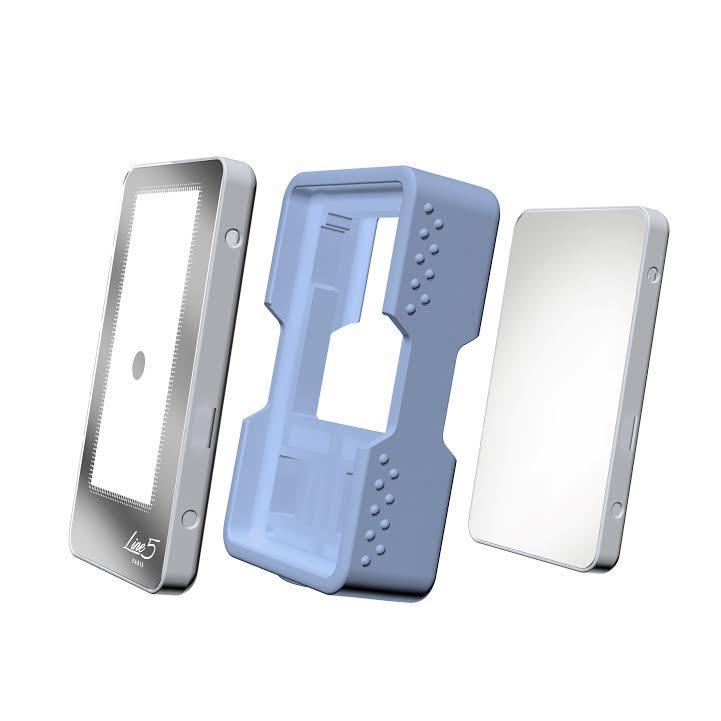 Le Pad cosmétique Line5 PARIS, un concept unique, doté de la technologie LED, est une solution efficace et 100 % naturelle pour stimuler les cellules de la peau et lutter contre les effets du temps.