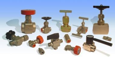 Tipos de válvulas de regulación de caudal fabricadas en diversos materiales de fabricación (Acero al Carbono, AISI-316, Duplex, Superduplex, AISI-904L, etc...)
