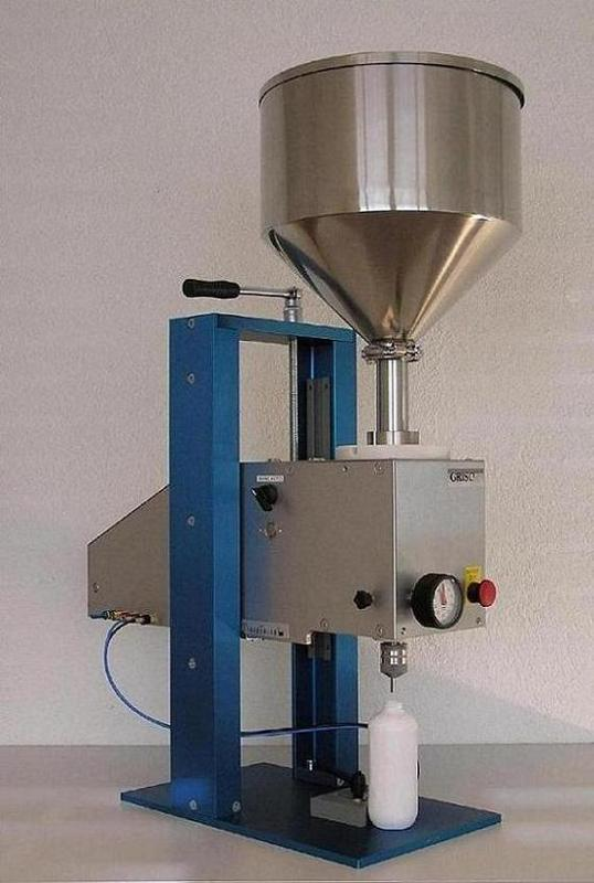 Grisona STP (Semiautomatic filling machine for liquids)