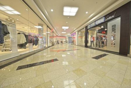 polierter Granit in Einkaufszentrum