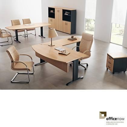 Mobiliario para escritorio em diversas medidas e acabamentos.Composto por secretaria, bloco gavetas e armario