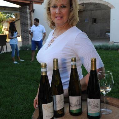 L'AZIENDA AGRICOLA GIOVANNI DI CADORE PATRIZIA produce vino Torcolato.