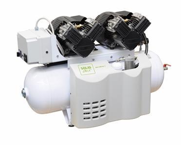 Dentalkompressor als Doppelanlage mit Adsorptionstrockner und Steuerung.