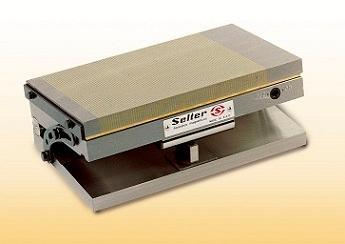 Para rectificar piezas con una determinada inclinación. El ángulo se ajusta mediante calas, de 0º a 45º. Incorporan el plato magnético que puede ser NOR-POL o FI-POL.
