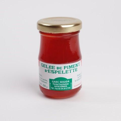 Geléé de piment d' Espelette. Espelette Chili pepper Gelly. Delicious with paté / foie Gras. sweet and spicy at the same time
