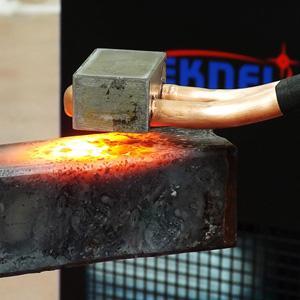 Scaldate i materiali ferrosi, incluso l'alluminio, in pochi secondi. Grazie alle nostre riscaldatrici, potrete eliminare definitivamente l'uso del cannello nelle vostre officine.