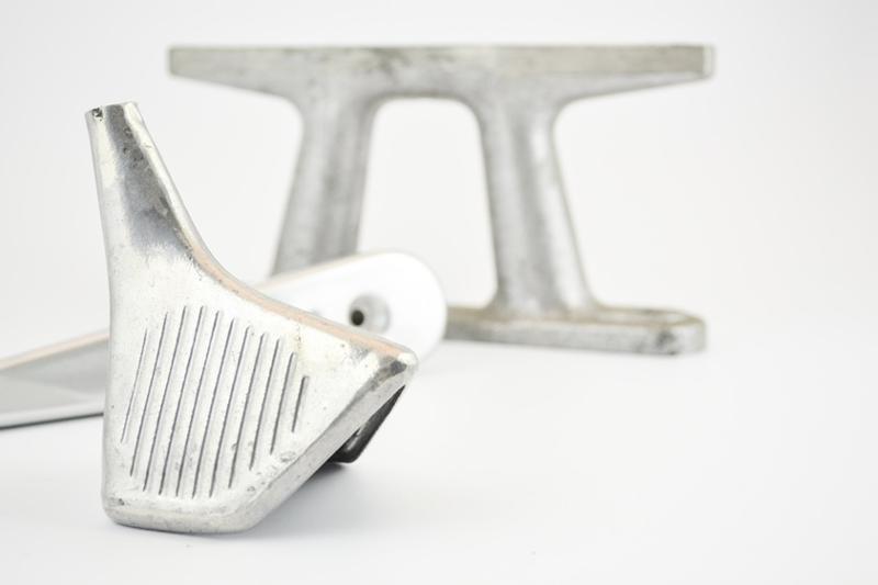 Pièces aluminium, les propriétés de résistances à la corrosion et mécaniques en font un matériaux de prédilection pour la réalisation de pièces destinés aux équipements sportifs et de loisirs.