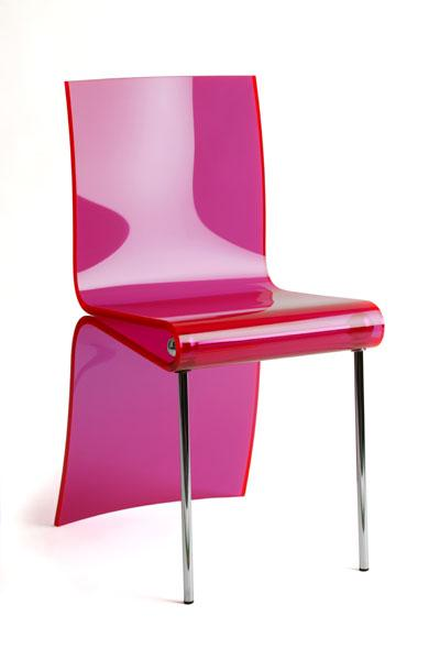 Chaise plexiglas thermoformée