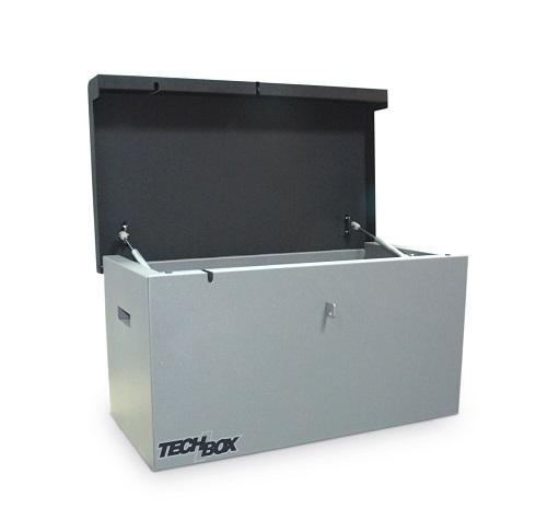 Professional toolboxes made of 1.5mm sheet steel for workshops and construction companies. Certified Lowe&Fletcher lock. Lid supported by 2 gas springs. Fixing set for extra safety. Power cable access